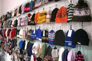 Можно ли вернуть перчатки и шапку в магазин