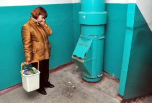 Неприятный запах из мусоропровода в подьезде и квартире на 1 этаже